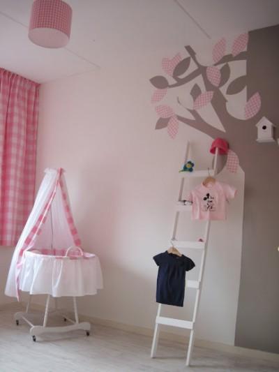 habitacion habitacion bebe gris y rosa dormitorio bebe nia rosa la decoracin with habitacion infantil nia decoracion