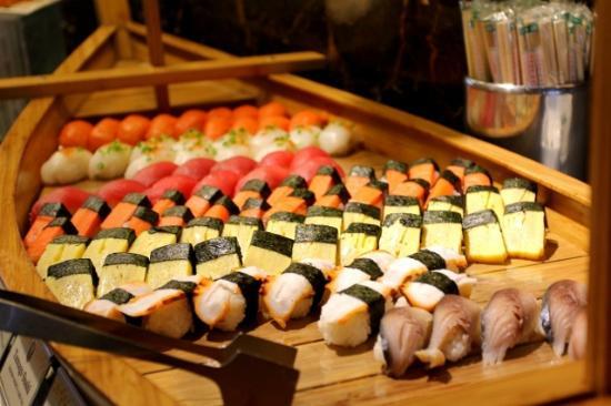 vikings-luxury-buffet