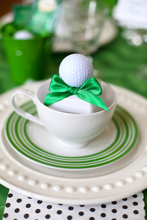 golf-tee-party-centerpiece-pizzazzerie