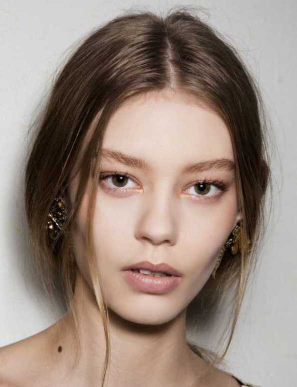 Beige-Eye-Shadow-copper-at-Alberta-Ferretti-Eyes-Makeup-Trends-For-Fall-Winter